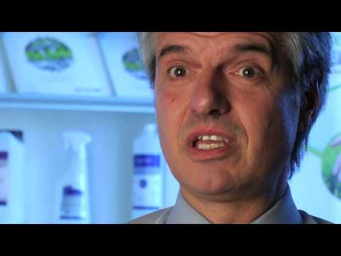 UQAM.tv | Témoignage: programmes en biologie et en biochimie de l'UQAM