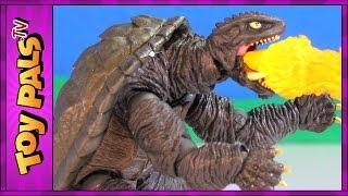 Godzilla Wakes GAMERA 2 vs Legion (1996) Movie Toys | Kaiyodo Revoltech Sci Fi Figures Review