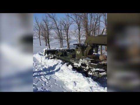 В Волгоградской области снег ломает танки