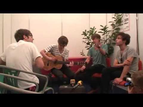 FM4 Frequency 2010: Bilderbuch performing