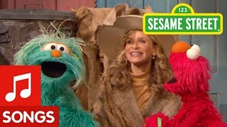 Sesame Street: That's Camouflage Song with Elmo, Rosita, and Kyra Sedgwick!