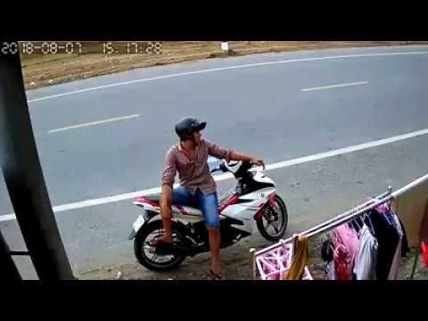 Na Hulicam Ang Isang Riding In Panty, MAG INGAT!