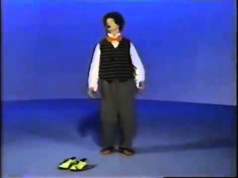 elmo s world put your shoes on mr noodle youtube