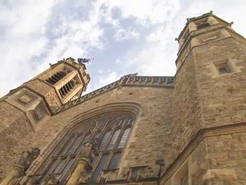 Tour through The University of Adelaide & the City
