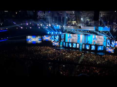 AMAs audience view Diana Ross presents Taylor Swift the Dick Clark Award