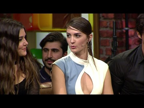 Beyaz Show - Burcu Özberk, Hande Erçel'in dizideki karakterleri ile ilgili benzerlikleri neler?