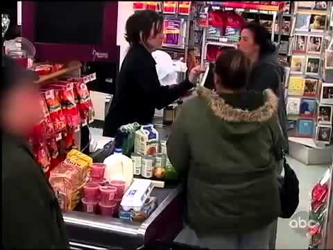 A Mother Unable To Pay For Groceries Gets Help From Strangers