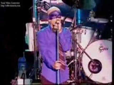 R.E.M. - World Leader Pretend (live)