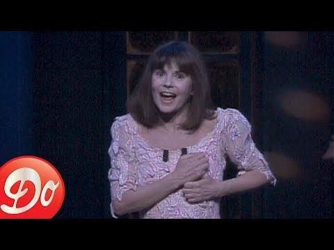 Chantal Goya : La poussière est une sorcière (Extrait du Palais des Congrès 1993)
