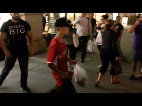 EXCLUSIVE - Justin Bieber Shopping At GNC Before Leaving NYC 09-11-14