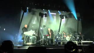 Peter Gabriel-Back to Front, Live in London-The Tower That Ate People_lyrics