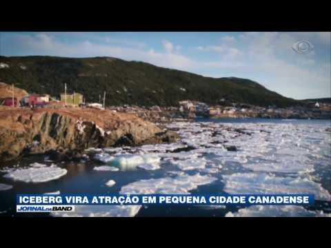 Iceberg vira atração em pequena cidade canadense