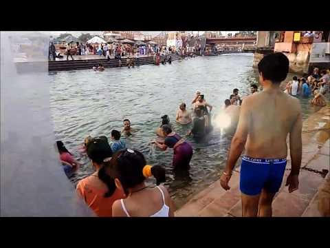 Holy Open Ganga Bath , Har Ki Paudi , Haridwar , Uttarakhand