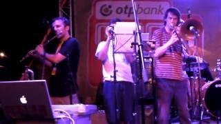 Mitch & Mitch on Veszprémi Utcazene Fesztivál - A Little Scratch