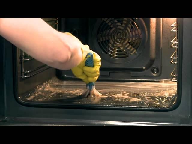 Uunin puhdistus sooda suola