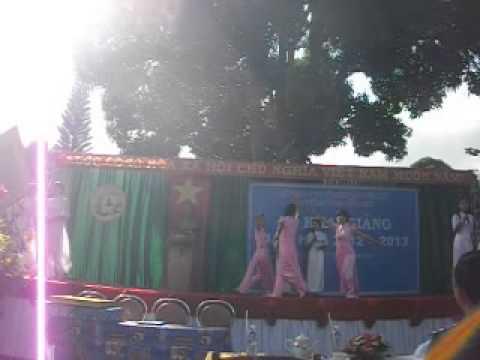 """Truong trung cap su pham mam non dak lak, VN khai giảng năm 2012 - 2013, """"Em là người mẹ"""""""