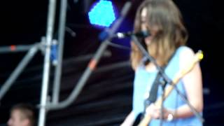 Blood Red Shoes - It`s Getting Boring By The Sea [Red Rocks Tour 2013, Izhevsk](, 2013-07-27T19:32:27.000Z)