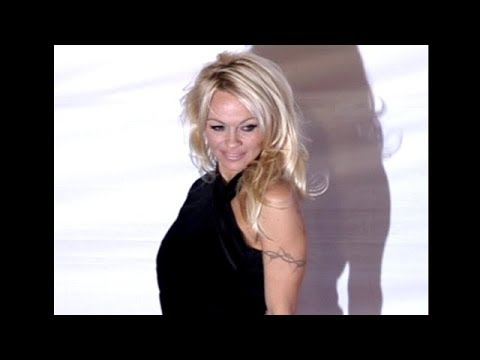 Pamela Anderson Sensational On The Red Carpet In Las Vegas  [2007] thumbnail