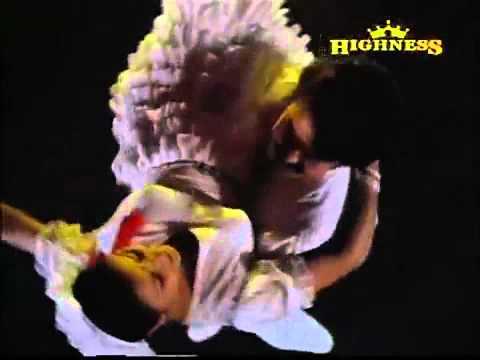 Thumbapoo Kattil Thane Lyrics - Ninnishtam Ennishtam Malayalam Movie Songs Lyrics