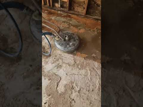 Deep Cleaning Concrete Floors After Flood: