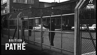 Ford strikers meet - dagenham aka ford strike at dagenham  (1962)