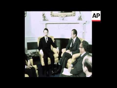 SYND 12-4-74 PRESIDENT BOUMEDIENNE OF ALGERIA MEETS NIXON