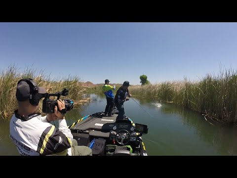 Fishing with Johnny Johnson - Martinez Lake with Simon Apodaca