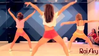 Twerking Booty Dance RaiSky Sexy girl HD 18+4