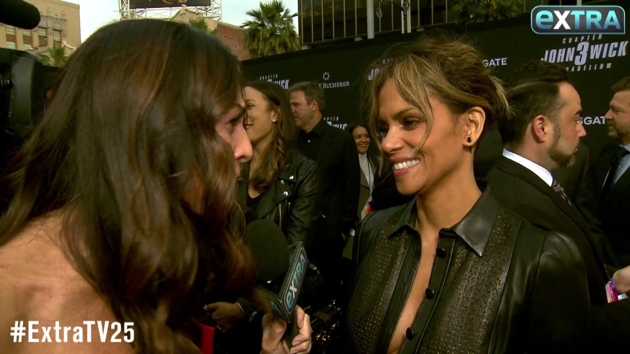 Halle Berry Shows Off New Shaved Hairdo At John Wick 3 Premiere Youtube