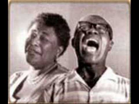 Ella Fitzgerald And Louis Armstrong Learnin 39 The Blues Youtube