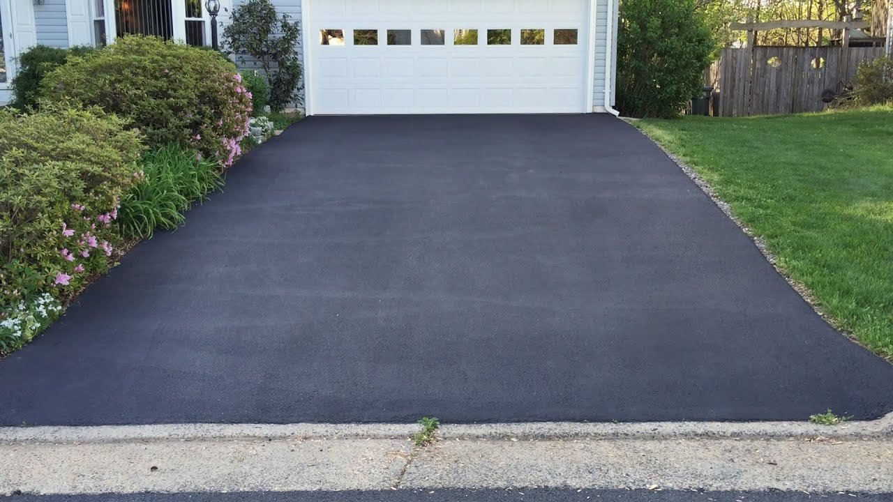 Resurfaced asphalt driveway one year later youtube resurfaced asphalt driveway one year later solutioingenieria Gallery