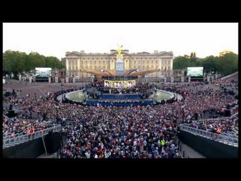 The Queens Diamond Jubilee Concert - Annie Lennox