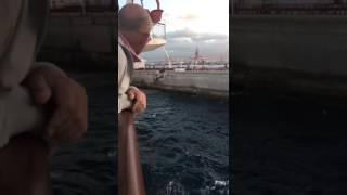 Un ferry de la naviera Armas choca contra el muelle de la Esfinge en Las Palmas