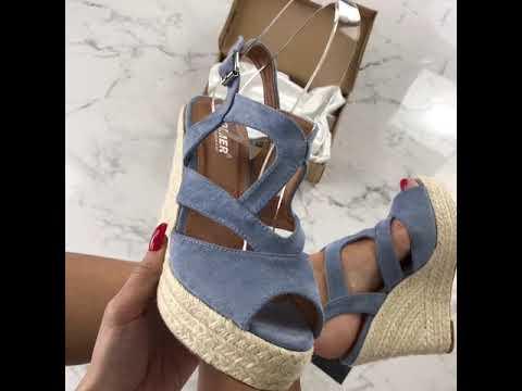27649ed4f1328 Dámske modré sandálky na platforme   iMODA.sk