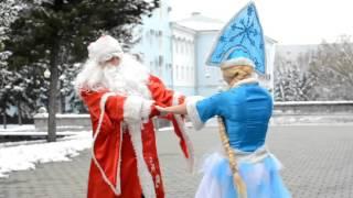 Дед Мороз и Снегурочка в Барнауле!(, 2015-10-31T11:07:44.000Z)