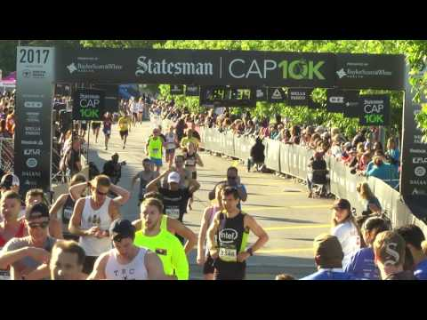 Full finish line Statesman Cap 10K 2017