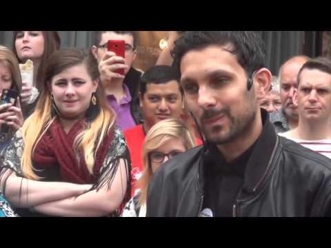 (MAGICIAN) DYNAMO street magician - charity performances 2016