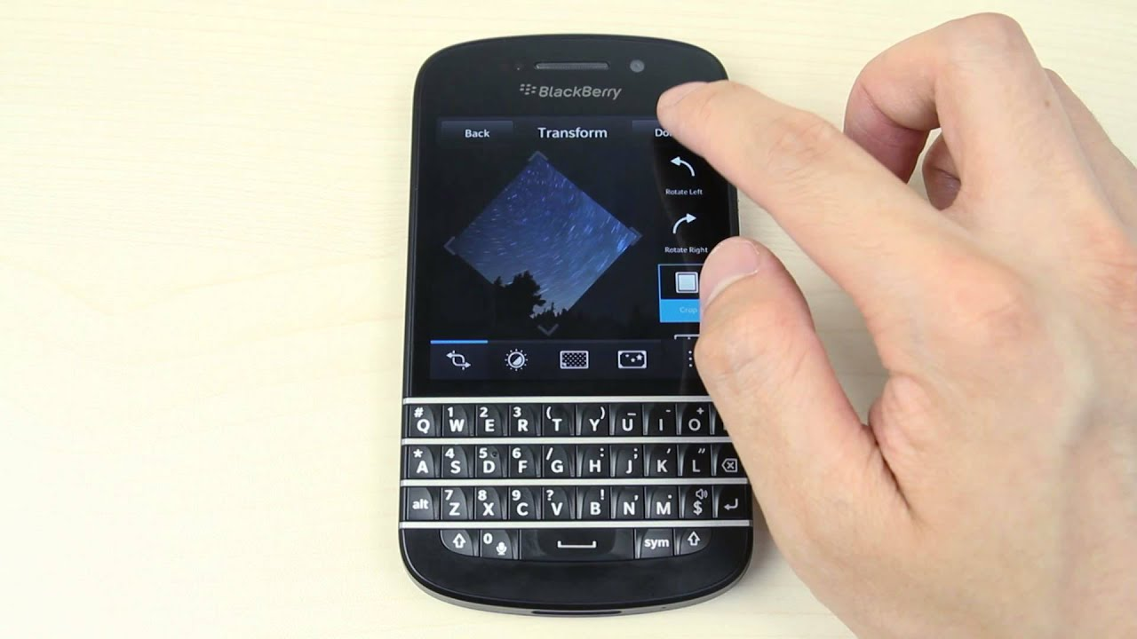 How To Add, Delete And Add A Photo To A Contact On Blackberry Q10