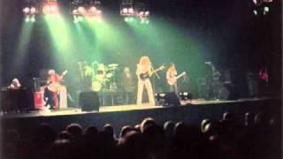 Mott The Hoople - Walking with a Mountain