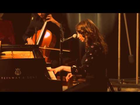 How - Regina Spektor - The Warner Sound Live - English & Spanish subtitles