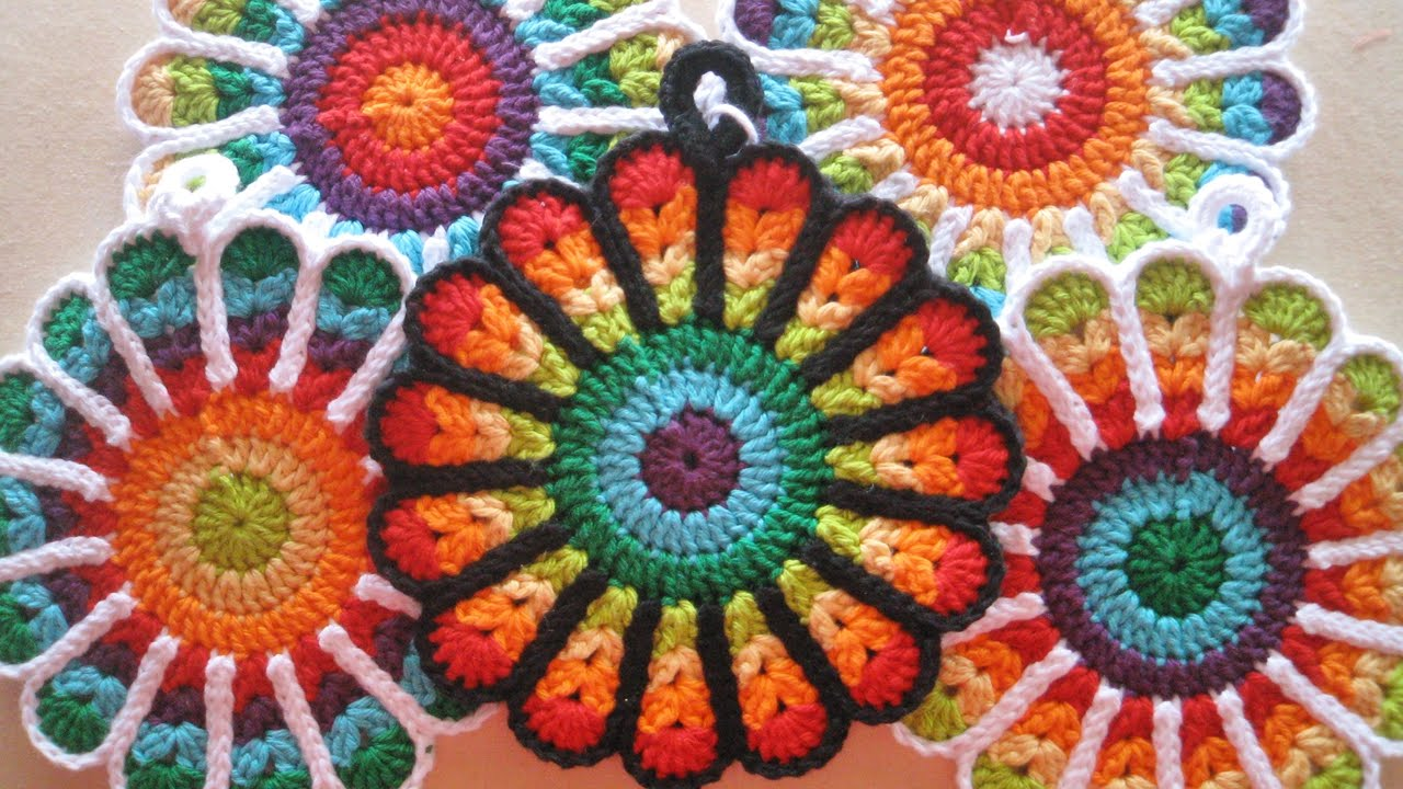 Crochet Flower Potholders (free patterns) - YouTube