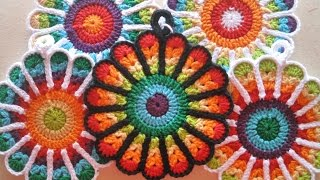 Crochet Flower Potholders (free patterns)
