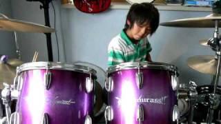 小学生ドラマー 永玖君のドラムさばきをご覧あれ.