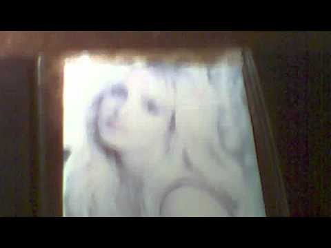 britney-spears-femme-fatale-(deluxe-edition)-cd-unboxing
