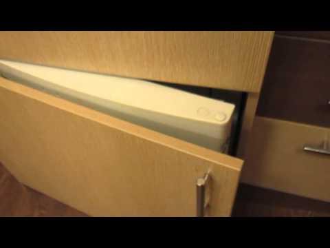 видео: Как сделать из обычного холодильника встроенный.