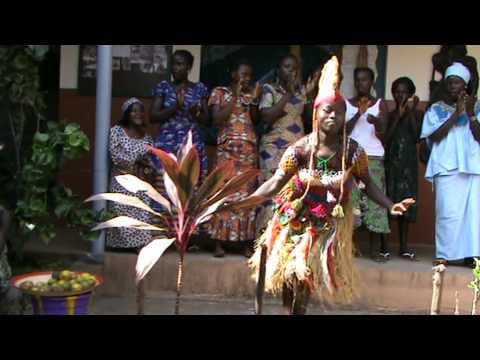 SIERRA LEONE, DIAMOND CHILD SCHOOL, FREETOWN. AFRICAN MUSIC & ARTS
