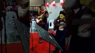 Download Video bidayuh band the new butterfly (goyang dumang) MP3 3GP MP4