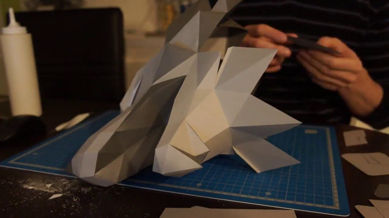 Papercraft House Stark's Sigil Direwolf papercraft - Game of Thrones