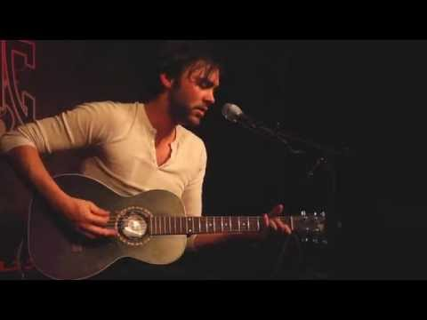 "Shakey Graves  - ""Word of Mouth"" (Live In Sun King Studio 92 Powered By Klpsch Audio)"