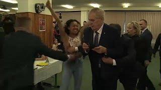 Három hónapot kapott a Zemanra rontó aktivista